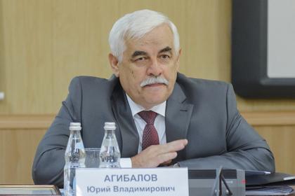 Уволенный с 23 окладами чиновник взялся за коррупционеров