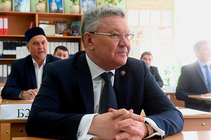 Слова татарского министра о «родителях на коленях» проверят эксперты