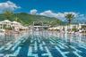Черногорский бассейн клуба Purobeach попал в подборку из-за своих внушительных размеров и художественно прекрасного дна. Строгая геометрия на фоне гор не может остаться незамеченной.