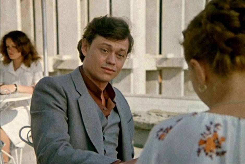 Караченцова часто брали на роли отрицательных персонажей. Действительно, изображать шулера-альфонса, как в фильме «Дамы приглашают кавалеров», у него получалось отлично — вероятно из-за того, что даже в расслабленном состоянии его лицо как будто само собой складывалось в ухмылку.
