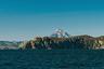 Острова открыли во время второй Камчатской экспедиции командора Витуса Беринга в 1741 году. Когда экспедиция уже возвращалась в Россию, его корабль разбился во время осеннего шторма. Моряки было решили, что уже добралась до берегов Камчатки, но быстро поняли, что находятся на острове, где были вынуждены зазимовать. 8 декабря 1741 года Беринг умер от болезни. В память о нем остров назвали островом Беринга, а группу из двух островов — Командорскими. Когда было решено продать Аляску и Алеутские острова, могила Беринга стала одной из причин сохранения Командор в составе Российской империи.