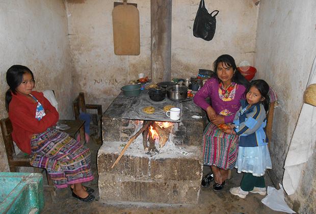 В доме у индейцев майя
