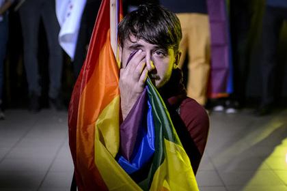 Румыны проигнорировали референдум о запрете запрещенных однополых браков