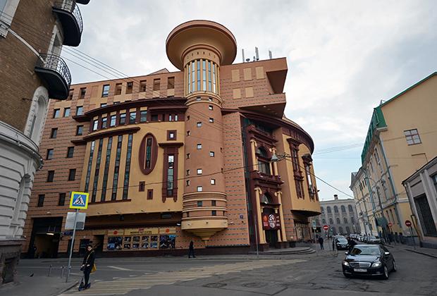 Здание московского драматического театра ET CETERA в Москве. Основатель и художественный руководитель — Александр Калягин