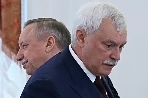 Экс-губернатор Санкт-Петербурга Георгий Полтавченко (на первом плане) и временно исполняющий обязанности губернатора Санкт-Петербурга Александр Беглов (на втором плане)