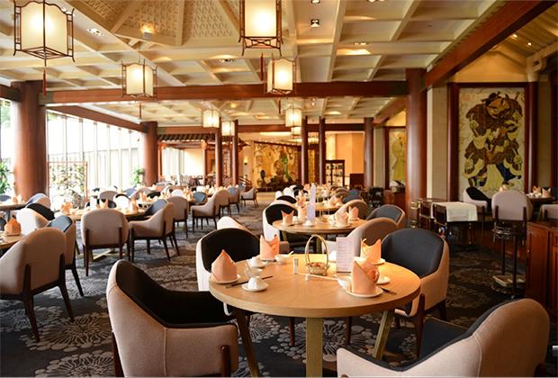 Ресторан Peach Blossom отеля LN Garden является одним из лучших ресторанов в городе