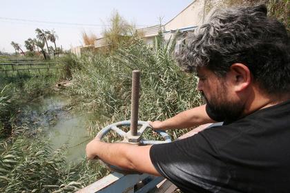 В Ираке питьевой водой отравились более 100 тысяч человек