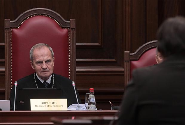 Председатель Конституционного суда Валерий Зорькин во время заседания