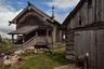 Отреставрированная часовня Святого Николая Чудотворца затерялась между домов поселка Усть-Поча. Неподалеку работает центр народных промыслов и ремесел.
