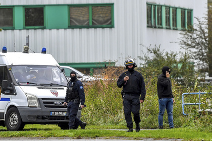 Во Франции у «мертвого» украинца конфисковали замок и работы Дали