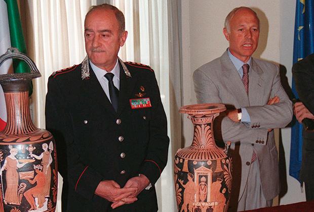 Роберто Конфорти (слева)
