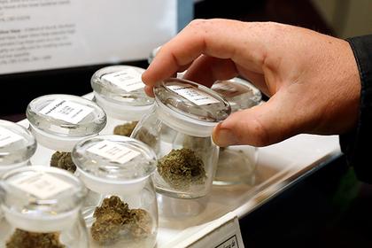 Канадцам разрешили марихуану