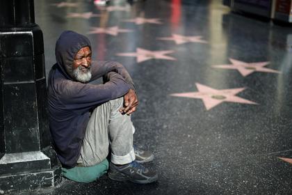 Трамп лжет оросте экономики исокращении безработицы вСША