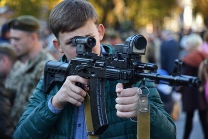 Руководство РФвнесло поправки вправила оборота оружия после трагедии вКерчи