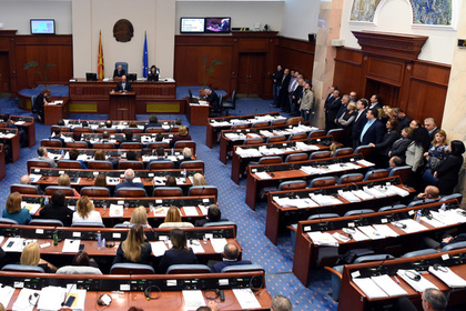 Посла США обвинили в организации голосования в Македонии