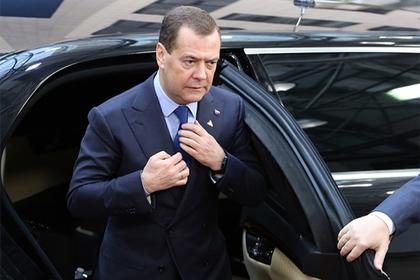 Медведев раскрыл суть санкций против Украины