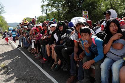 На США двинулся второй караван мигрантов