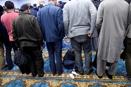 Мусульман осудили за нападение на мусульман в мечети