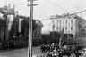 Британские войска и моряки крейсера «Саффолк» перед штабом Чехословацкого легиона на параде в ознаменование подписания Компьенского перемирия и победы в Первой мировой войне. Владивосток, 15 ноября 1918 г.