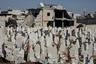 В Министерстве жилищного строительства Сирии заявляют, что «процесс искоренения терроризма достиг завершающего этапа и этап восстановления стучится в двери» — Сирия, напомним, считает всех своих оппонентов террористами. В то же время Дамаск желает получить помощь на реконструкцию от дружественных стран, поддерживавших его на протяжении всего конфликта, а Западу советует отказаться от выдвижения политических требований в качестве условия предоставления помощи.