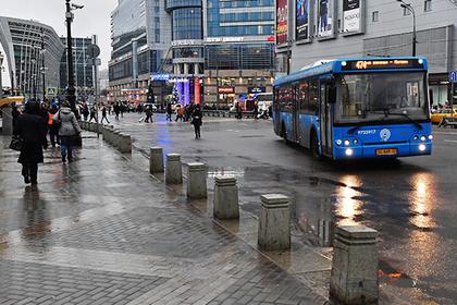 Водитель московского автобуса поссорился с пассажиром и открыл огонь из травмата