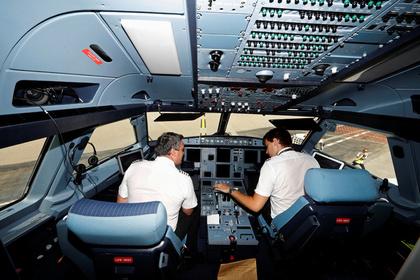 Пилоты рассказали, что всегда таят отпассажиров