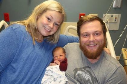 Женщина спасла умиравшего мужа и родила
