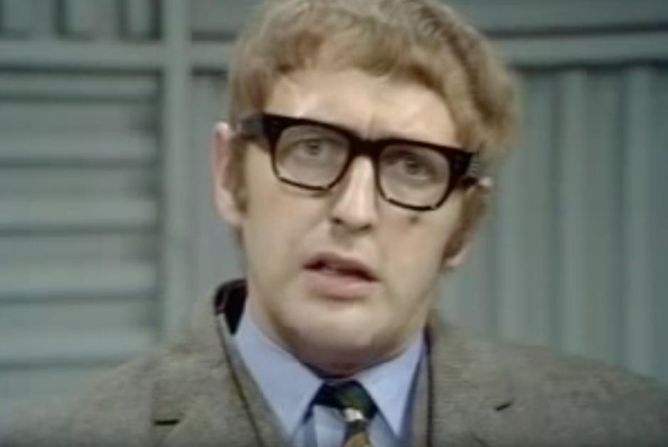 В скетче «Братья Пиранья» комедийная группа «Монти Пайтон» прошлись по всем известным преступникам Великобритании 1960-х. Досталось и братьям Крэй, и Ричардсонам, и Фрэнки Сумасшедшему Фрейзеру.