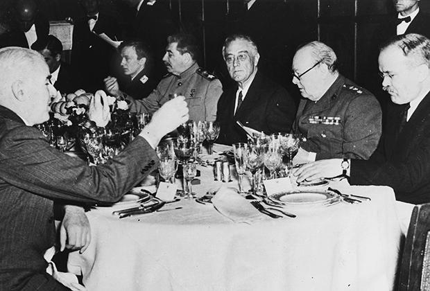 11 февраля 1945 года. Ужин, посвященный закрытию Ялтинской конференции