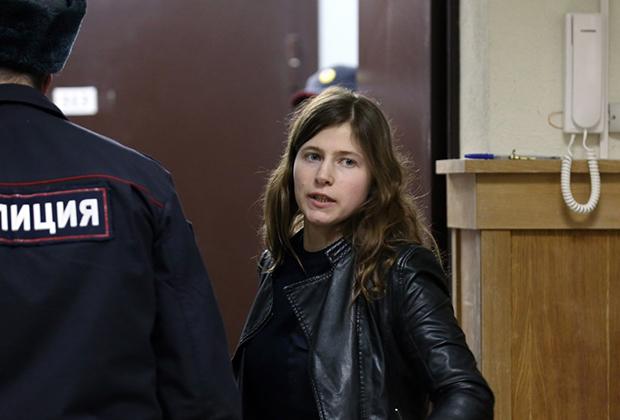 Политическая активистка Дина Гарина