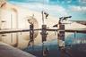 Впрочем, самое популярное место в Ереване вовсе не Центральная площадь, а «Каскад». Масштабный лестничный комплекс взмывается вверх на 80 метров. Местные не перестают иронизировать над толпами туристов, которые, кряхтя и утирая пот со лба, пытаются покорить сотни ступенек под палящим солнцем. Любой ереванец знает — по «Каскаду» нужно не подниматься, а спускаться: чтобы, пройдя от тенистого парка Победы мимо музея Шарля Азнавура, оказаться внизу, у подножья «Каскада», где расположена площадь с разнообразными артефактами современного искусства. Тут же рядом с 2009 года действует художественный музей — Центр искусств Гафесчяна.