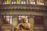 Было бы странно не найти на улицах армянской столицы памятник Араму Хачатуряну. Найдется ли в мире почитатель музыки, ни разу не слышавший его  «Танец с саблями»? В Ереване напротив Театра оперы и балета как дань памяти великому соотечественнику стоит монумент — прямо у здания Большого концертного зала армянской филармонии, который носит имя прославленного автора балетов «Гаянэ» и «Спартак».