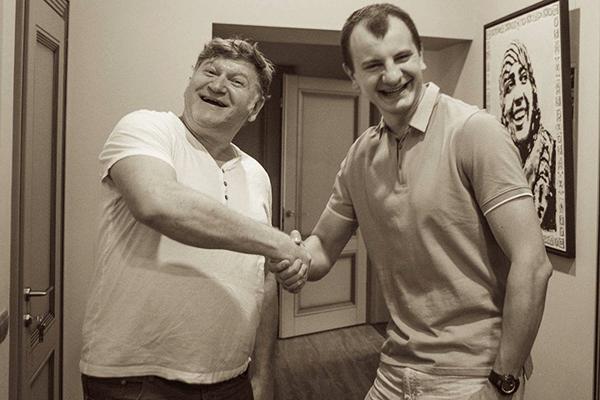 Евгений Валерьевич Карась (слева) и Евгений Васильевич Карась