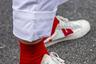 Этот шанхайский модник так торопился попасть в объектив стрит-фотографа, что решил не тратить время на возню со шнурками. И ему это удалось.