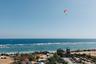 Бали — рай для серферов: волны здесь круглый год. Уроки серфинга предлагают как местные инструкторы, так и многочисленные школы, открытые иностранцами.
