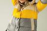 В капсулу Peuterey, разработанную креативной командой во главе с дизайнером Фредерико Курради, вошли мужские и женские пуховики в стиле athleisure, навеянные энергичными 1980-ми. Создатели линии обещают, что непромокаемые и ветрозащитные куртки сохраняют тепло при температуре до -10 градусов.