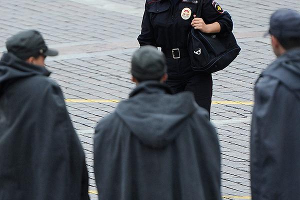 Русская женщина полицейский хочет секса, сайт дешевых проституток негритянок