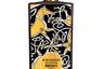 Создатели композиции хотели показать клиентам другую осень — ирландскую. Композиция в расписном флаконе с кельтским орнаментом построена на контрасте бодрящего розового перца и теплого сочетания пудрового ириса и древесины.