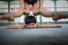 Юань Пэн из Китая подготовил рассказ об учащихся спортивной школы в Цзинине, провинция Шаньдун. Лю Бинцин и Лю Юйи — сестры-близнецы, которым с детства нравилась гимнастика. Здесь они выросли и обучились, преодолевая себя каждый день.