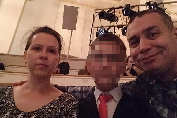 Тимур Булатов с женой и сыном