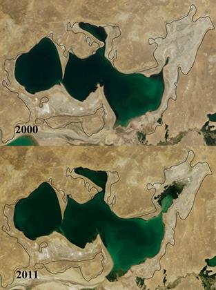 Малый Арал в 2000 и 2011 годах. Строительство дамбы остановило высыхание северной части, понизило соленость воды и позволило вновь разводить в Северном Арале рыбу.