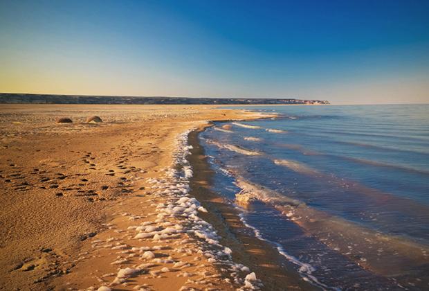 Южное Аральское море также периодически увеличивается в своих размерах, но в отличие от Казахстана, в Узбекистане для восстановления моря не делается практически ничего.
