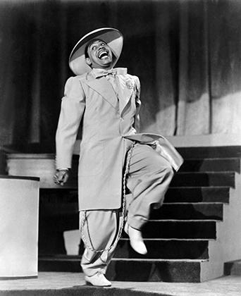 Кэб Кэллоуэй стал одной из первых звезд, не побоявшихся появиться в зут-костюме на широком экране.
