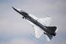 Истребитель четвертого поколения ВВС Пакистана в ходе Airshow China 2018 показал фигуры простого пилотажа. Самолет собирается в Пакистане при технологической поддержке Китая. Разработка самолета заняла примерно 10 лет. Машина получает российский (РД-93) или аналогичный китайский (WS-13) двигатель.<br><br>Самолет, впервые поднявшийся в воздух в 2003 году, последовательно модернизируется — стоимость единицы версии Block 3 превысила 30 миллионов долларов.<br><br>В настоящее время в распоряжении ВВС Пакистана— свыше ста истребителей JF-17 Thunder, число которых планируют увеличить до 250.