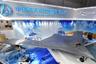 Созданный с применением стелс-технологий беспилотник CH-7 напоминает американский RQ-170 Sentinel. Боевой дрон выполнен по аэродинамической схеме «летающее крыло» и имеет внутренние отсеки для вооружения (допускается до 2 тонн бомб и ракет). CH-7 получил один двигатель. Размах крыла CH-7 равняется 22 метрам. Машина способна развивать скорость до 920 километров в час и подниматься на высоту 13 километров.<br><br>Разработчики утверждают, что беспилотник способен отслеживать малозаметные истребители пятого поколения, в частности, американский F-22 Raptor. В Китае CH-7 считают единственным беспилотником с применением стелс-технологий, который будет доступен на рынке.<br><br>Первый полет дрона запланирован на 2019 год, серийное производство — не ранее 2022 года.