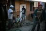 Большинство гаитян после стихийного бедствия отправились в Бразилию. Там они нашли возможность заработать во время Олимпийских игр и чемпионата мира по футболу. Однако на фоне экономического кризиса мероприятия обошлись стране слишком дорого. Для жителей Бразилии жизнь после Игр означала возвращение высокого уровня преступности и экономической рецессии.