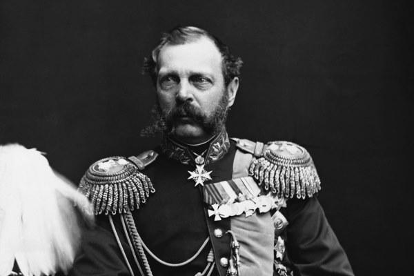 La camisa sangrienta de Alejandro II fue devuelta a Rusia: Sociedad: Mundo: Lenta.ru