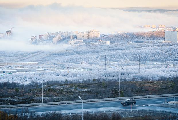 Окрестности Мурманска. Город на заднем плане.