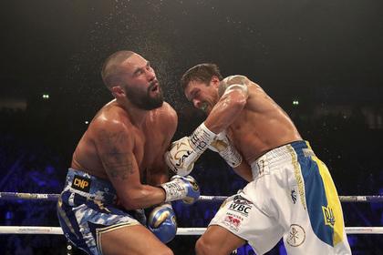 Усик отправил Белью в нокаут и защитил титул Абсолютного чемпиона мира
