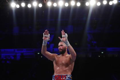 Британец решил уйти из бокса после нокаута от «величайшего» Усика